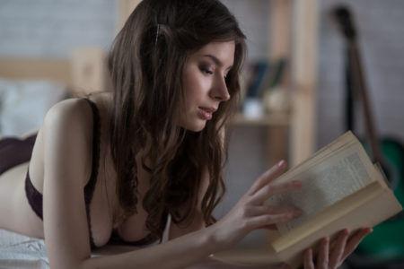 Membaca juga membuat santai bagi orang dewasa