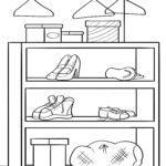 Гутлын тавиур дээр хуудасны гутал будах