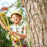 Со децата во паркот за качување